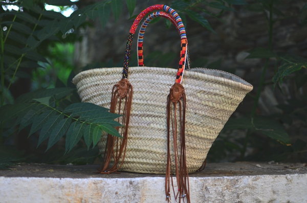 En Shalla wicker basket,  raffia bag