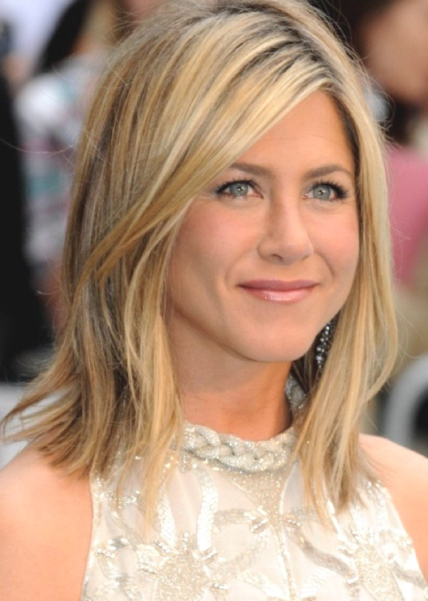 Top_20Jeniffer Aniston_Bob_Hairstyles_2014_032