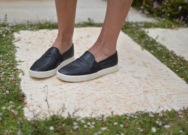 Vince slip-on sneakers black perforated