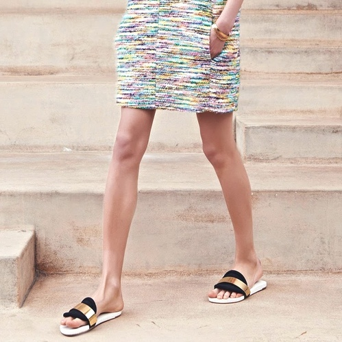 chloe_sliders_inspiration_street_style-Pool-Slides-The-Ugly-Shoes