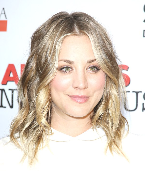 Kaley Cuoco red carpet hairstyle