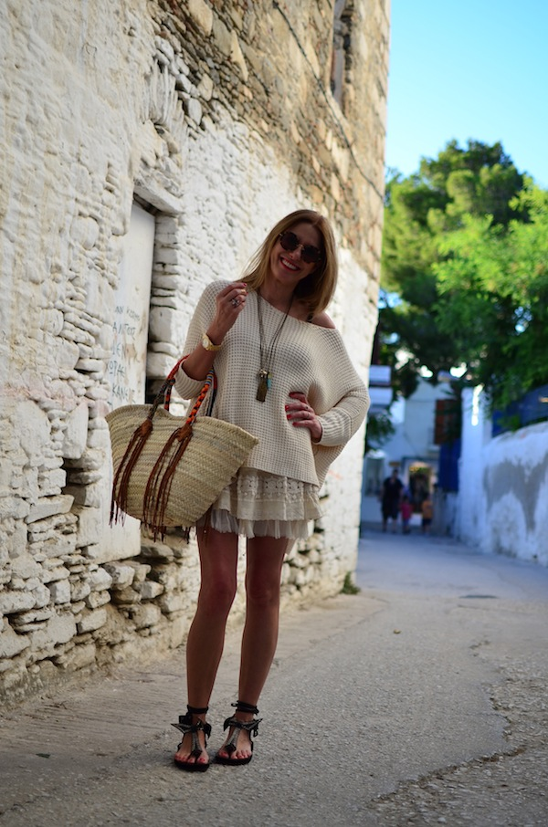 neutral colored summer outfit