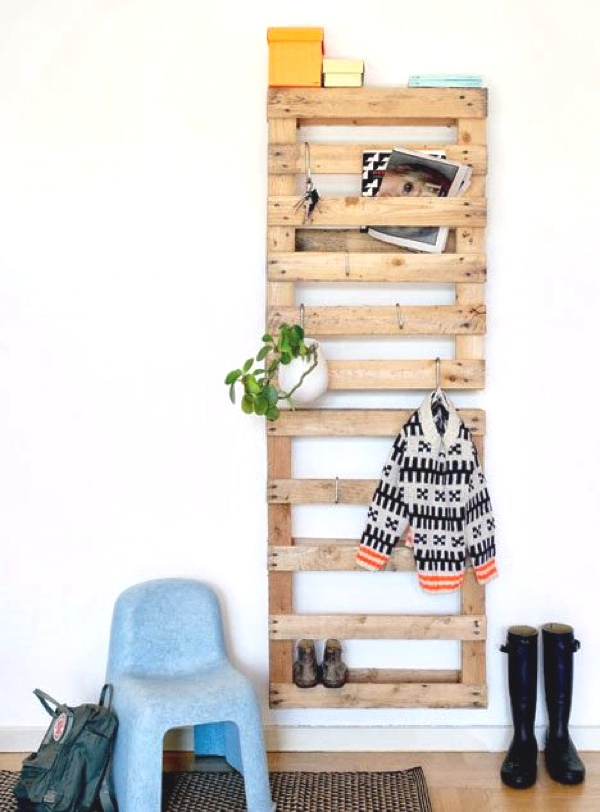 wooden pallets for hanging