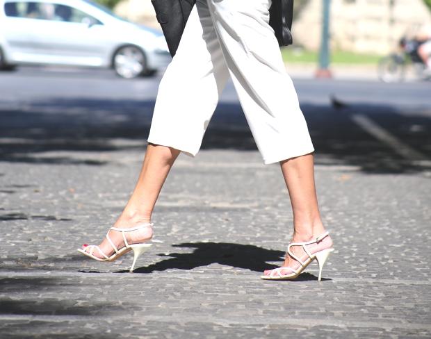 City Look- White Cropped pants Celine bag05