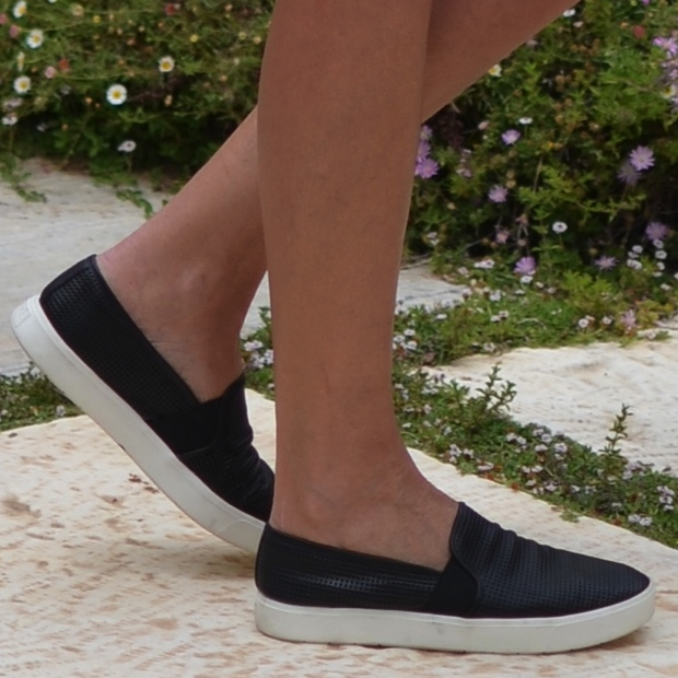Vince perfect slip-on sneakers perforated sneakers