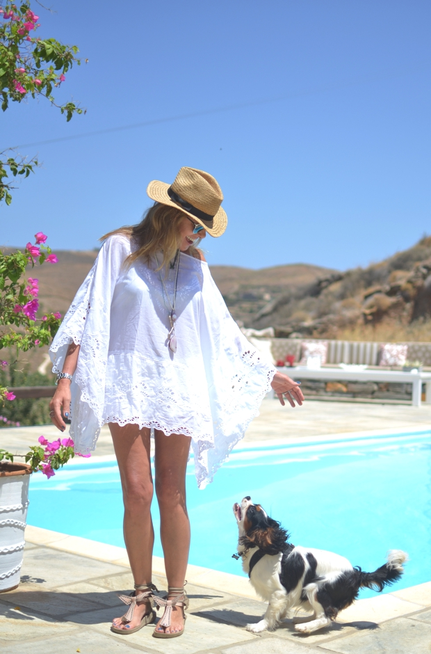 Beach Cover-up white, dog