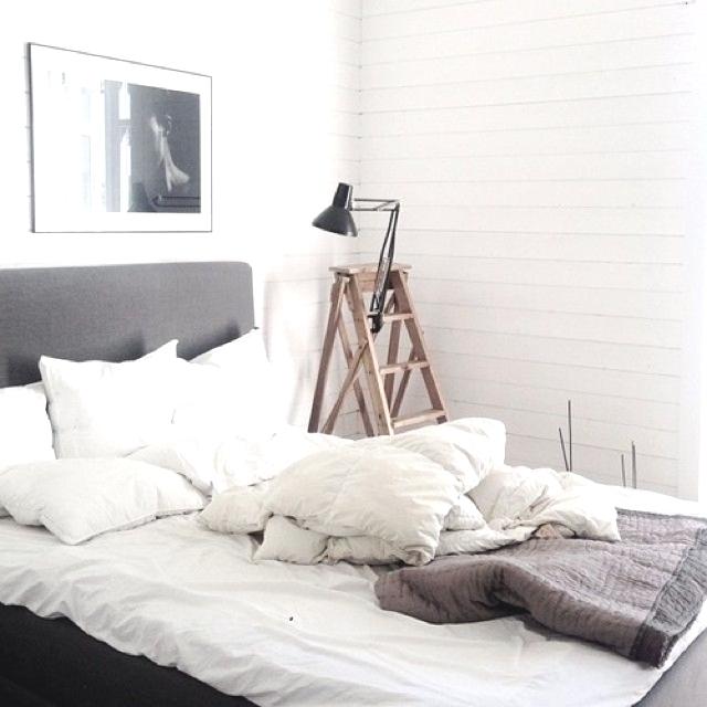 Bedroom furniture ideas 12 best bedroom stories for Bedroom furniture tumblr