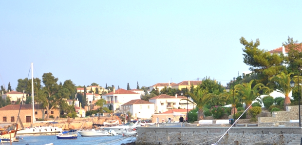 Spetses-Island-Street-style-