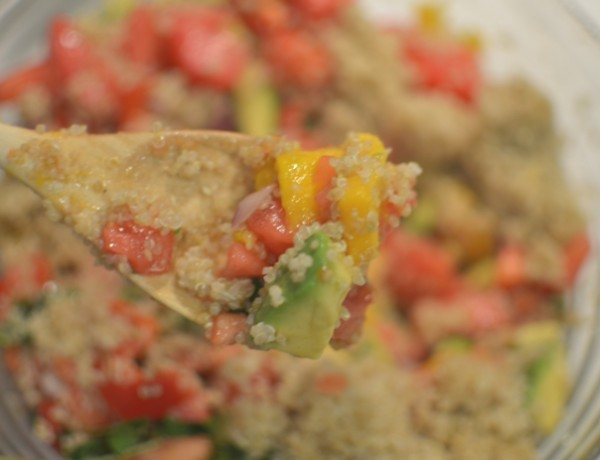 Delicious Mango Quinoa Salad Recipe