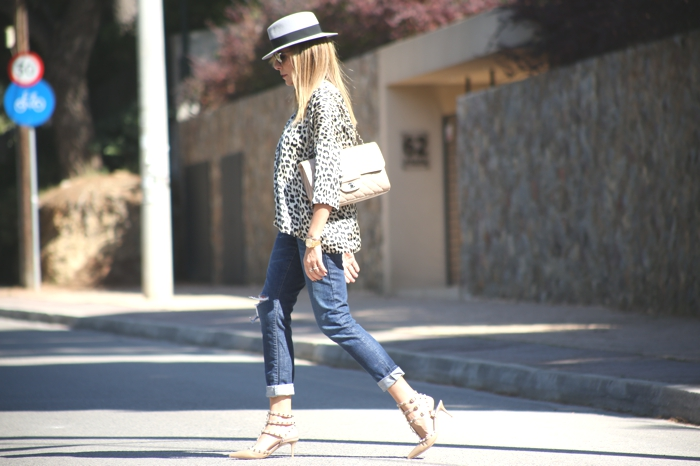How to wear leopard print shirt Rockstuds Chanel Nina Papaioannou TrendSurvivor