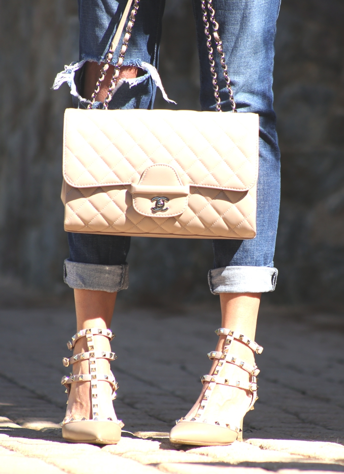 Jeans with Valentino Rockstuds Chanel bag Nina Papaioannou TrendSurvivor