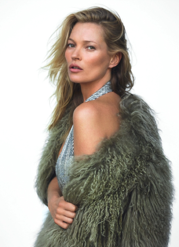 kate-moss-by-mario-testino-for-vogue-uk-december-20141-1