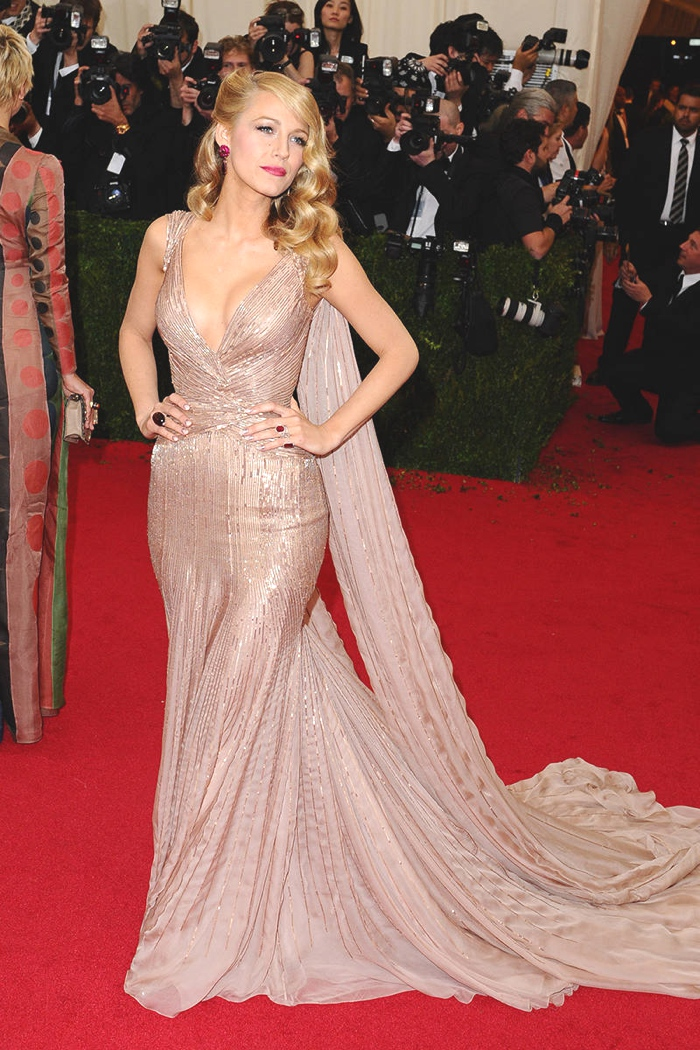 Blake Lively bodycon mermaid gown
