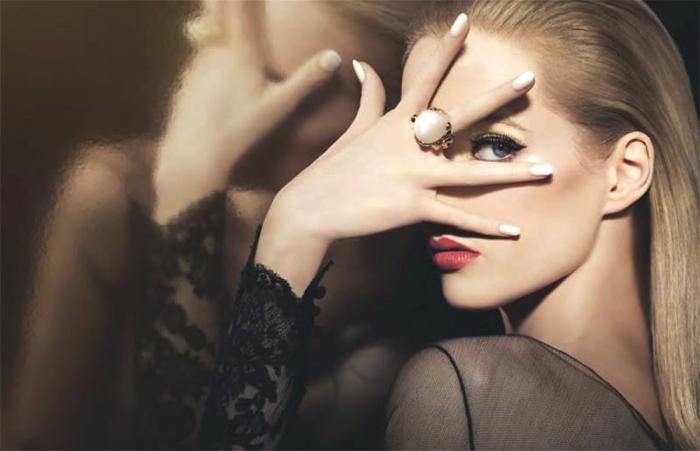 Festive makeup Eyeliner