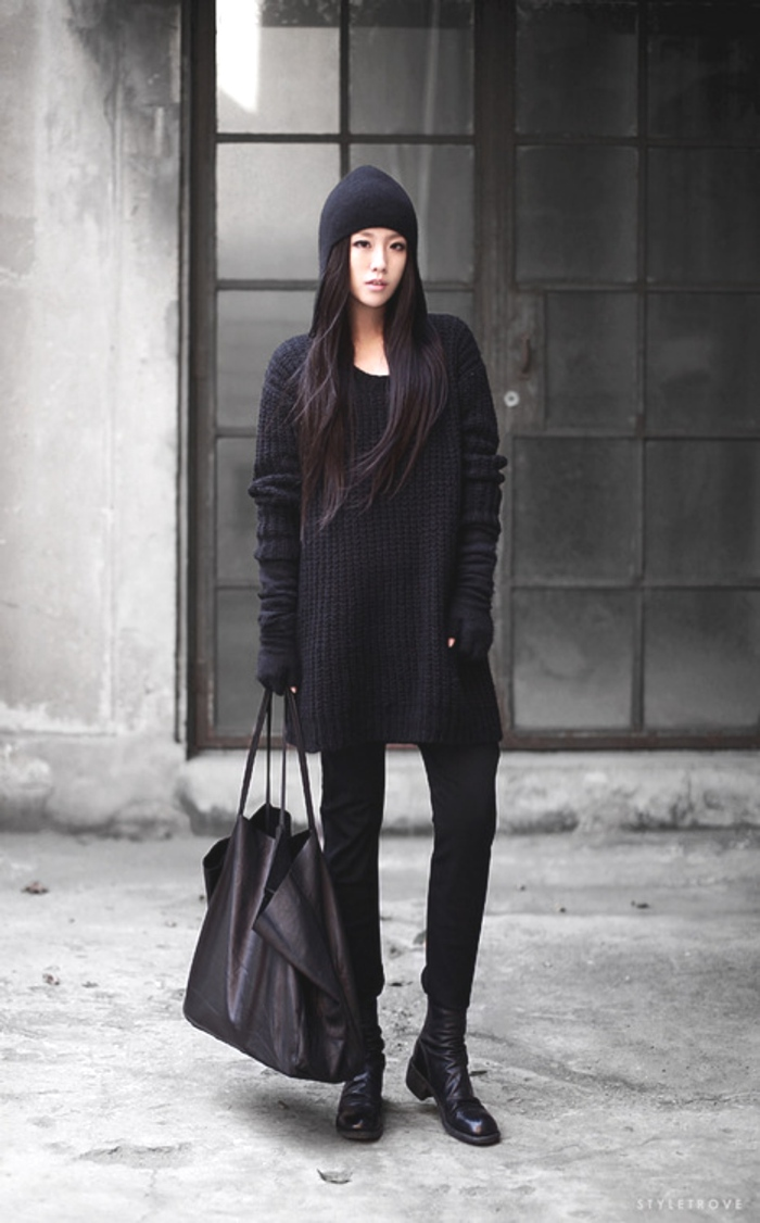 total black chunky knits