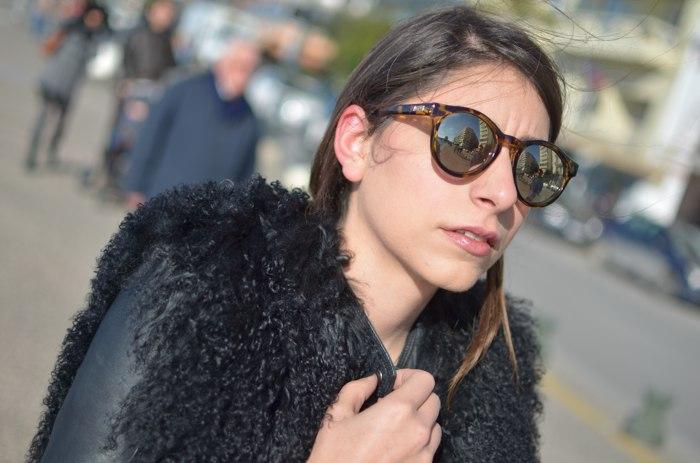 Niki Svolou Thessaloniki Winter Street Style Le Specs Hey Macarena sunglasses