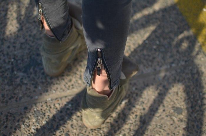 Zara jeans zipper, Isabel Marant sneakers