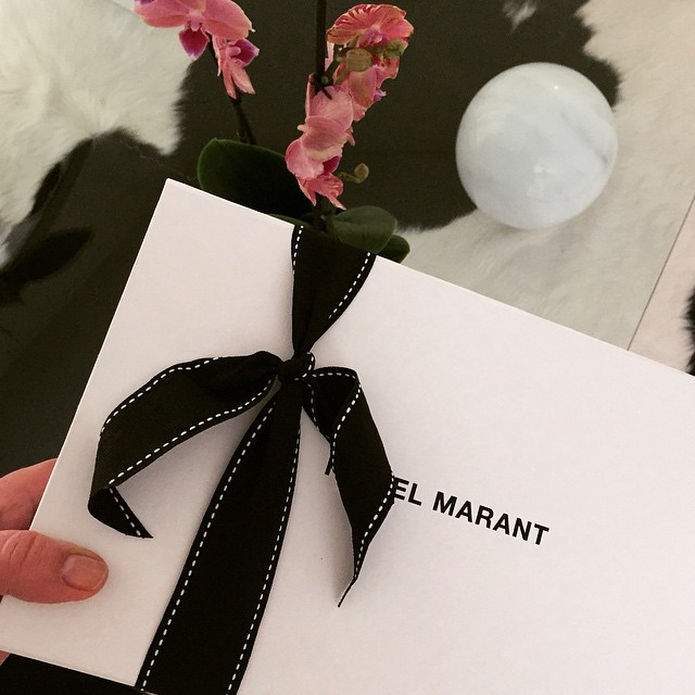 Wanna see what I scored from #isabelmarant #netaporter ?? Get details in your inbox ? sign up  @liketoknow.it www.liketk.it/Rsbw #liketkit and ? like ?