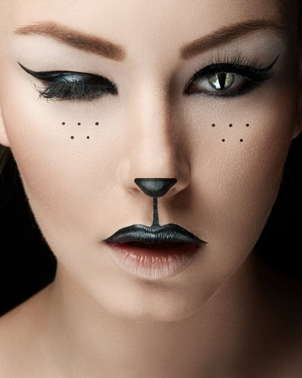 cat woman chic makeup