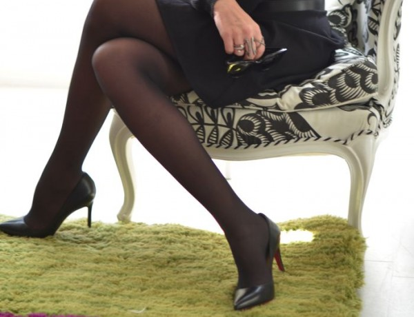 Blogger Style Louboutin black Pigalle pumps