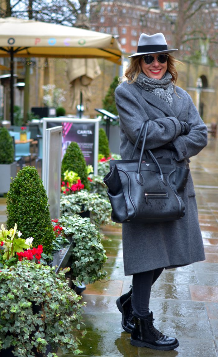London, cold weather blogger outfit Nina Papaioannou