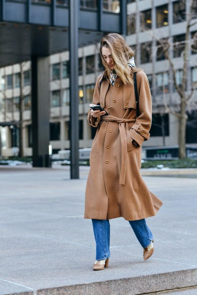 Sofía Sanchez de Betak Tommy Ton camel coat jeans