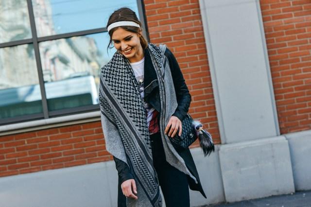 fall-2015-ready-to-wear-street-style- Fendi Karlito Chanel bag