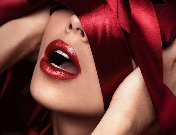 Valentine Red beauty portrait by Vitaliy Reznichenko