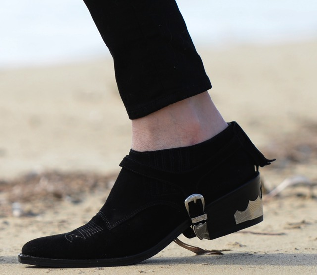 Toga fringed sude boots Nina Papaioannou Trendsurvivor