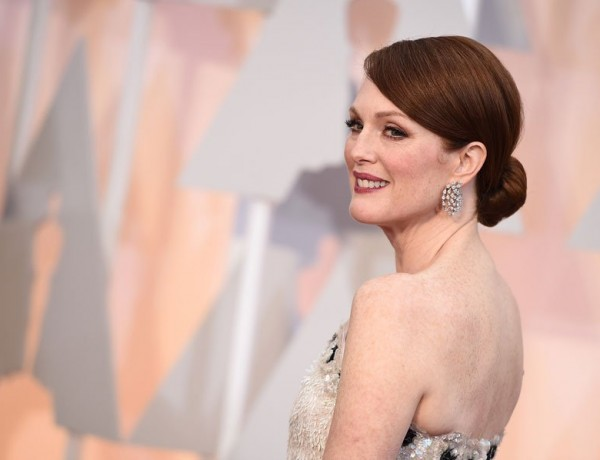 Julianne-moore-2015-oscars-arrivals-02