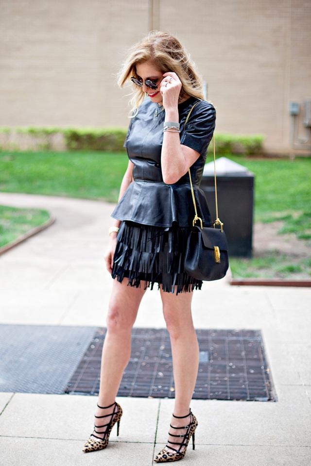 Dallas Street Style Black outfit- TrendSurvivor