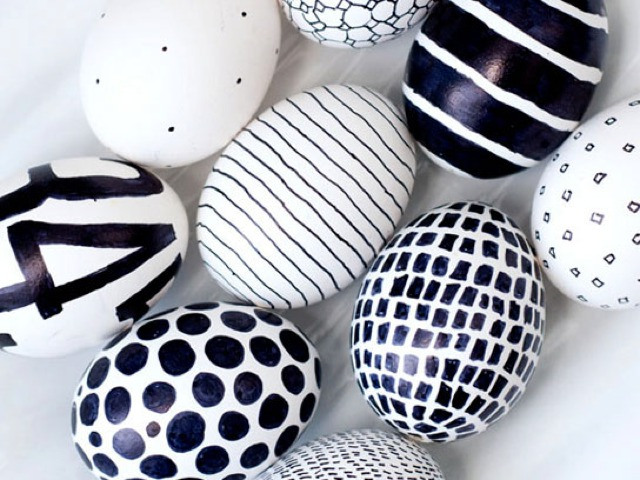 Easter Eggs Decorating Ideas black and white