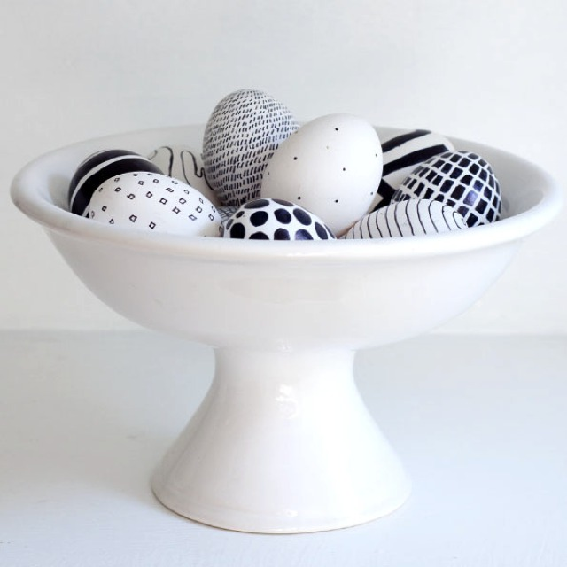 Easter Eggs Decorating Ideasblack and white stripes and dots