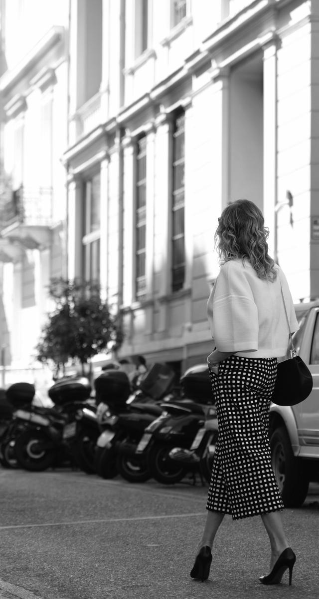 Black and White Luisa via Roma