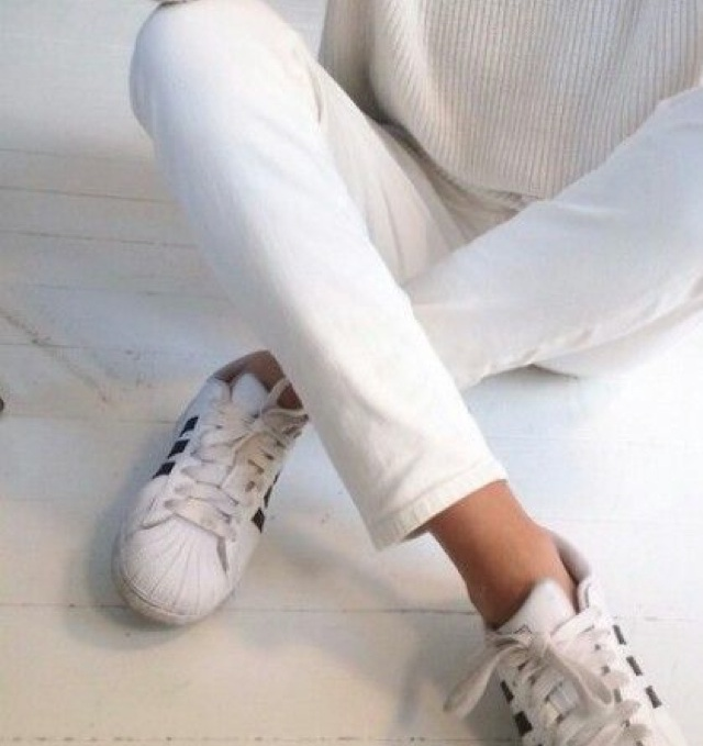 perfect pair of white jeans