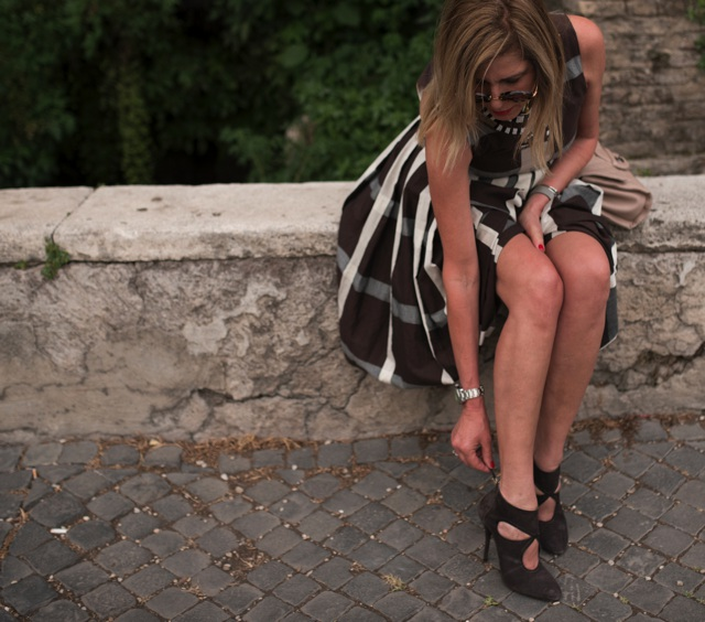 Anthropologie midi checked dress, street style Rome