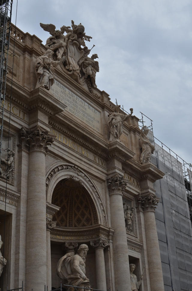 Fontana di Trevi under construction