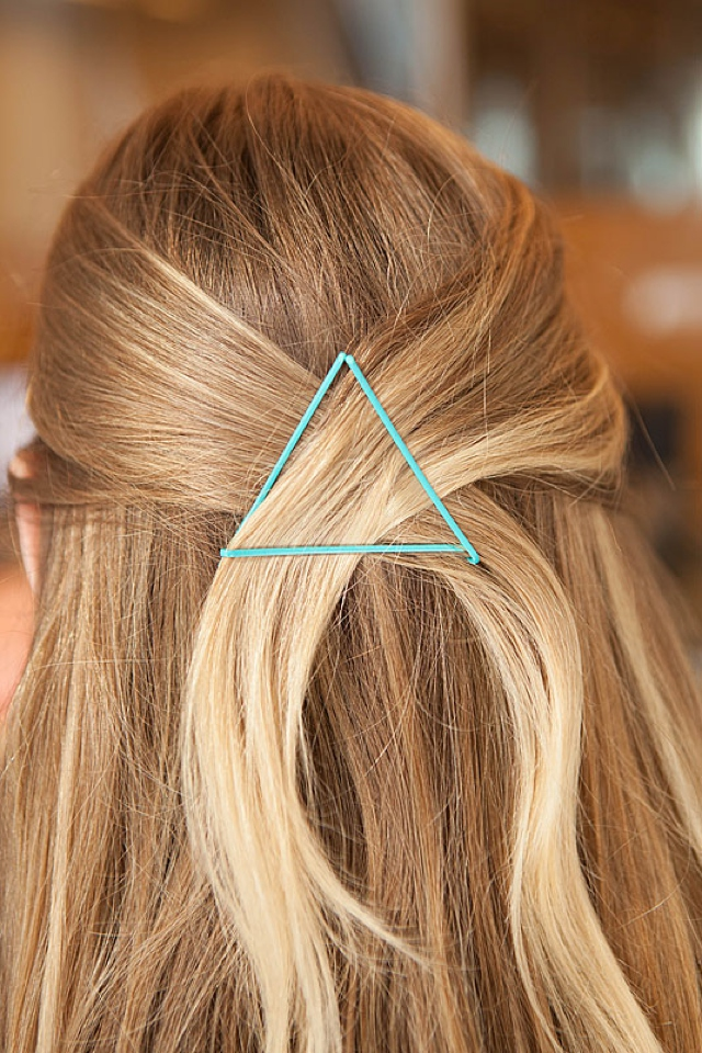 Hair ideas with hair pins 07, triangle