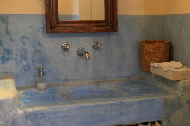 bathroom Greek Island style decor Paros