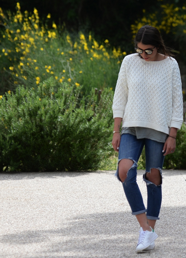 How to style a white sweater cf1f42ebb