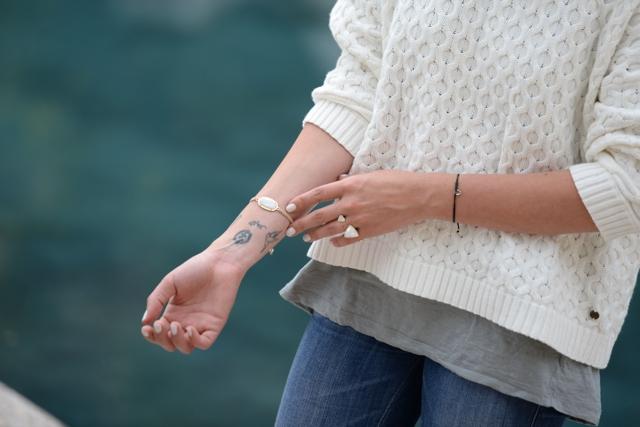 casual style, Kendra Scott bracelet, double ring, tattoos