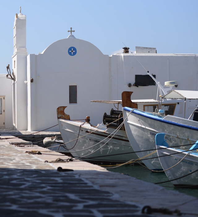 Paros Naoussa, white church
