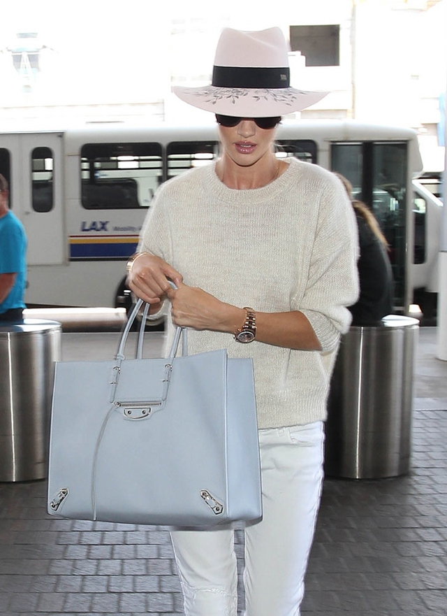 Rosie-Hungtington-Whiteley- mixing shades of white street style