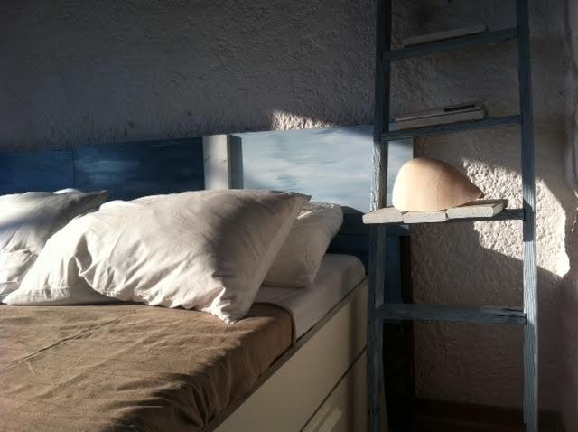Summer house bedroom DIY, wooden ladder bedside table