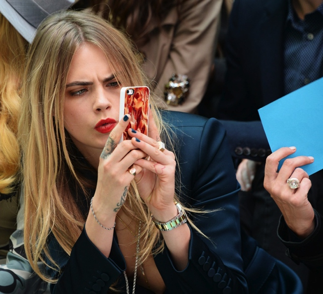 Cara-Delevingne-wearing-Burberry-