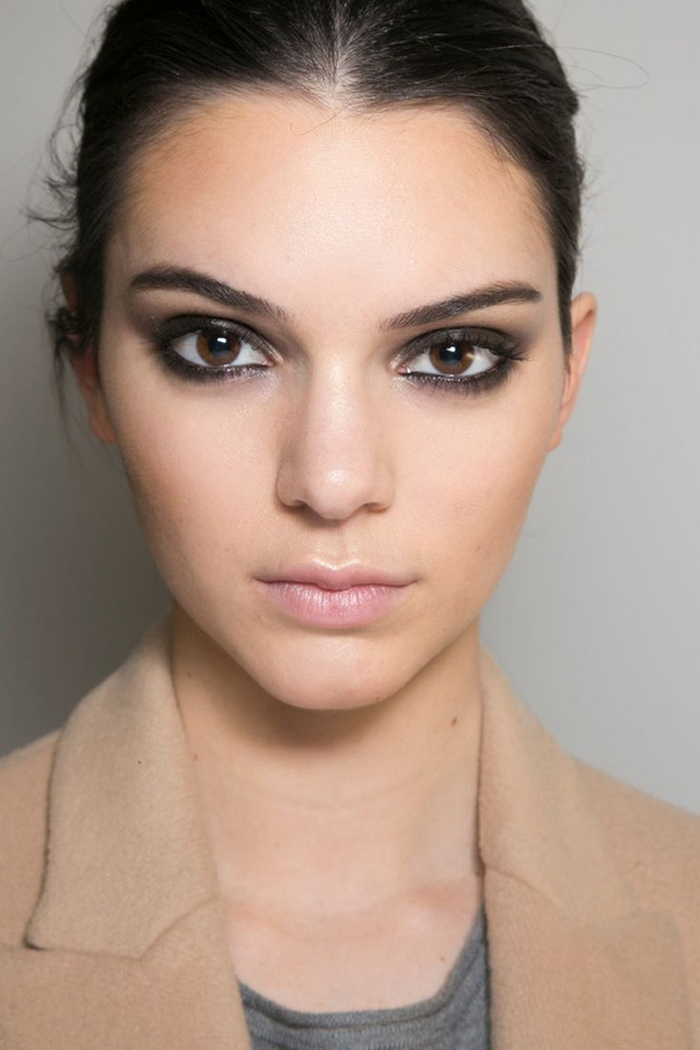 Kendal Jenner smokey eye Fall 2015