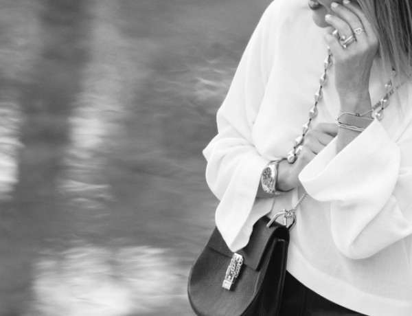 black and white street style black Chloe drew silver chain