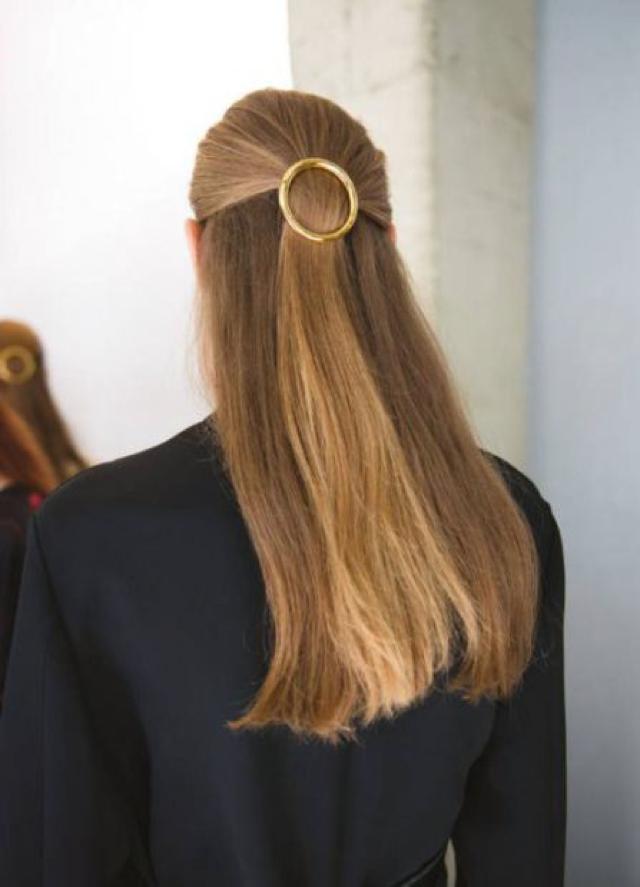 hair clip round gold
