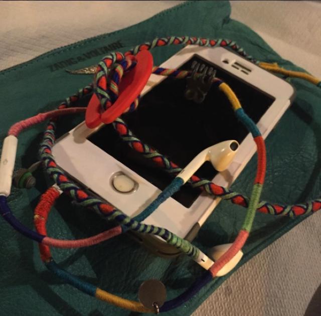 Cool Easy gift idea Tangle free headphones