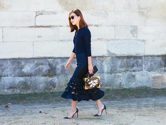 Flounce hem skirt street style